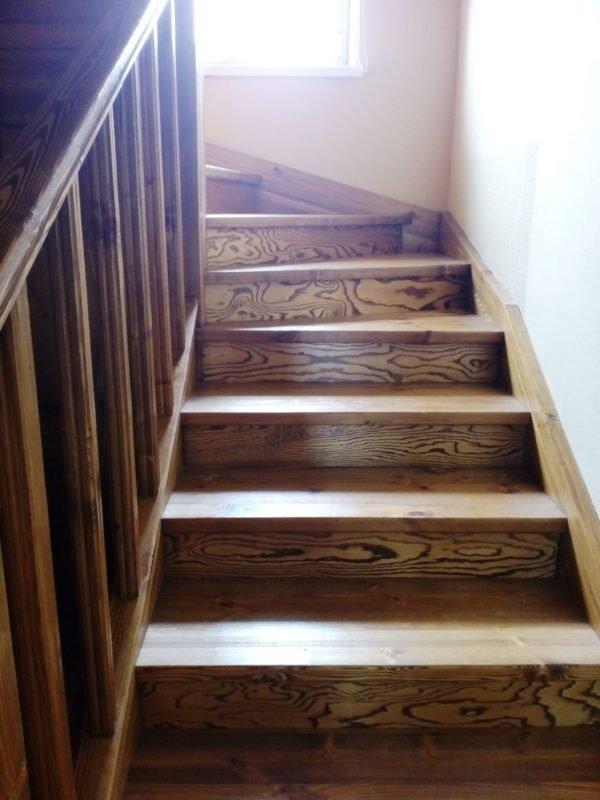 Лестницы из массива древесины.